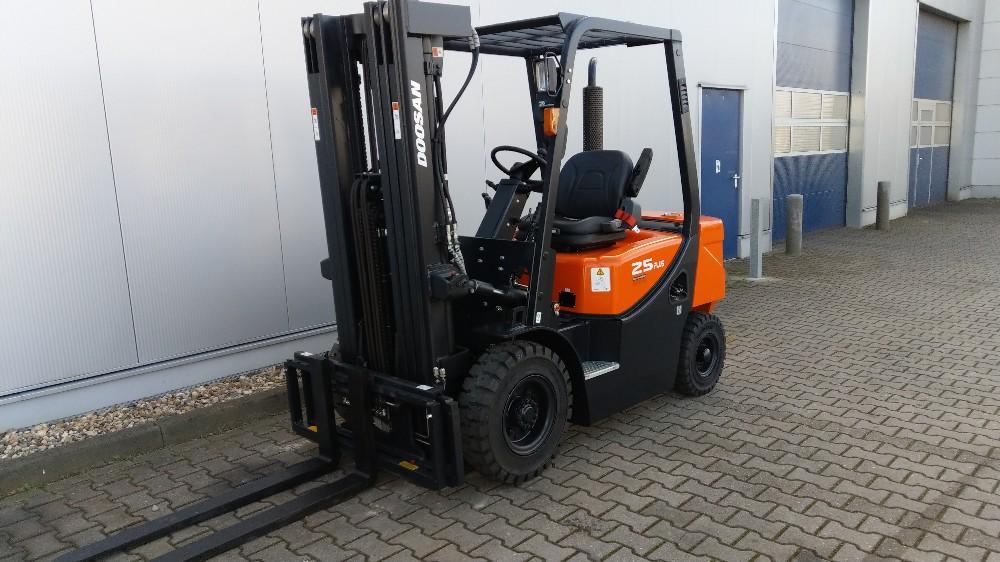 Dieselgabelstapler D25 G Plus